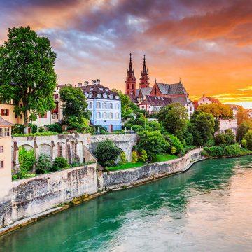 Basel mit wunderschönem Sonnenuntergang
