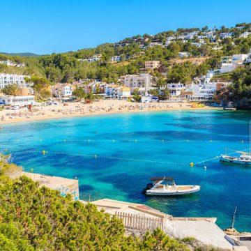 Schöner Strand auf Ibiza