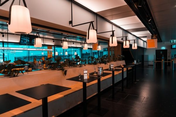 Escort Service in wiener Restaurant